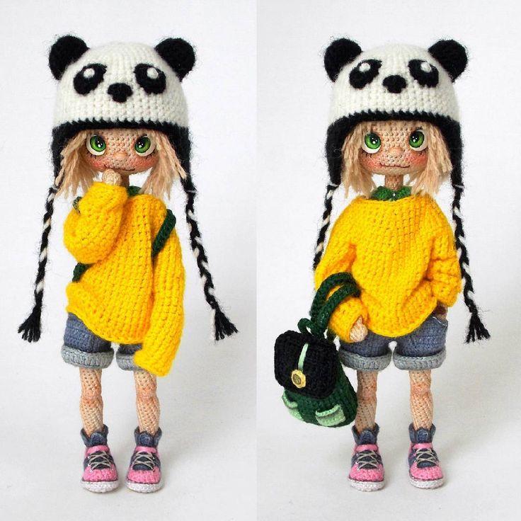 Топ 5 моих любимых деталей, в моих куклах: ⚫Воротнички❤ ⚫Носки/гольфы❤ ⚫Закатанные рукава❤ ⚫Рюкзачки❤ ⚫Карманы❤ Обожаю! В этой кукле есть почти всё! COMBO x4!  Когда-нибудь я сделаю куклу, и у неё будут все эти пять пунктов. И она будет идеальна и совершенна  Шучу конечно же. ~~~~ Привет, дорогие друзья! Познакомьтесь с моей новой куклой. Если честно, я даже не ожидала от нее такой харизмы и фотогеничности. Очень хорошо позировала сегодня Она похожа на болтливую и шумную девчонку, ну на...