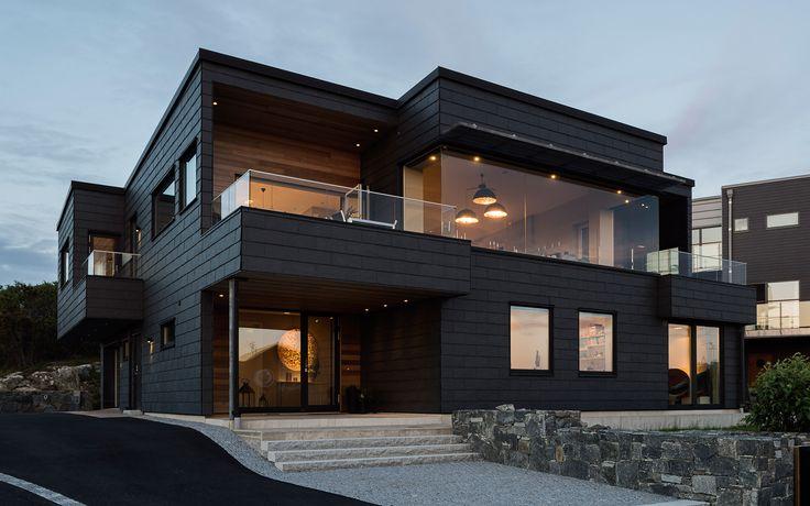 """Se fler bilder ifrån huset     Modernt hus A2924  """"En tuff skifferfasad som gifter sig väl med"""