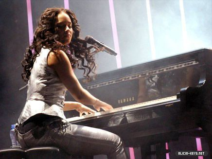 Alicia Keys. So talented, so amazing!