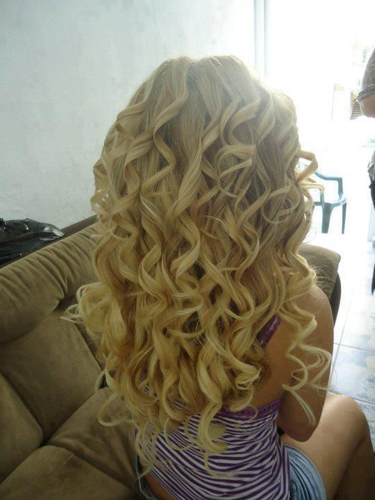 Hairstyles 2013: Long Curly Hairstyles 2013