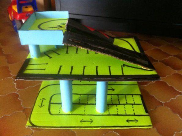les 20 meilleures id es de la cat gorie garage voiture jouet sur pinterest. Black Bedroom Furniture Sets. Home Design Ideas