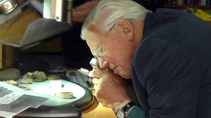 Sir David Attenborough visits Canowindra's Age of Fishes Museum July 2013 - Orange region NSW