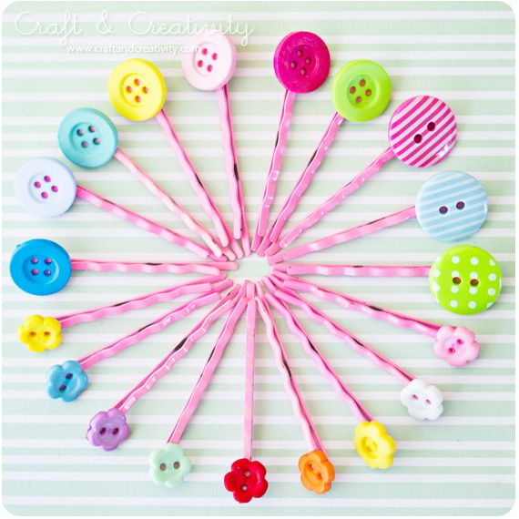 simple & pretty bobby pins: Buttons Hairclip, Buttons Crafts, Parties Favors, Pretty Bobby, Buttons Hairpin, Buttons Canvas, Girls Parties, Bobby Pin, Girls Rooms