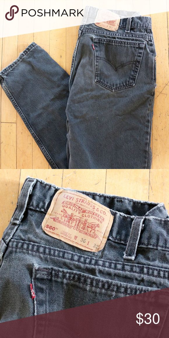 VTG Levi's 560 black mom jeans Levi's 560 black mom jeans •loose fit• tapered leg •W: 36 • Length: 32 •(first pictures are just to show style) •excellent condition  🌸MAKE OFFERS🌸 Levi's Jeans Skinny