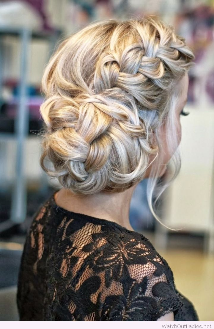 Stunning wedding hairdo and black lace dress