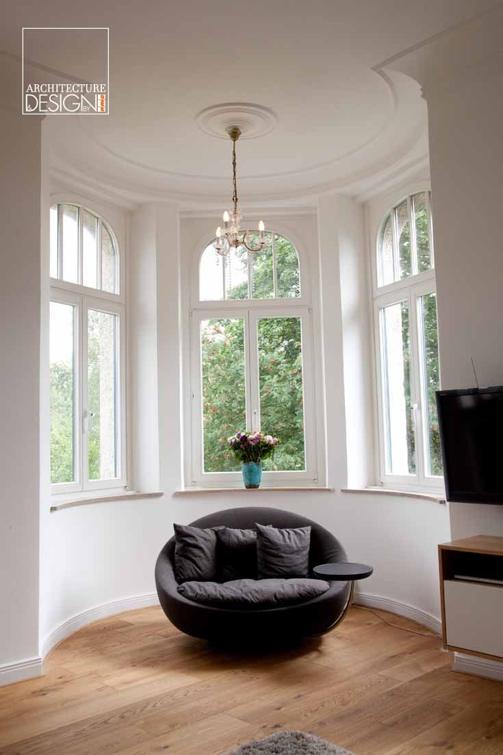 Lovely place, isn't it ? Our mouldings, rosettes and baseboards are not only very stylish but also functional !