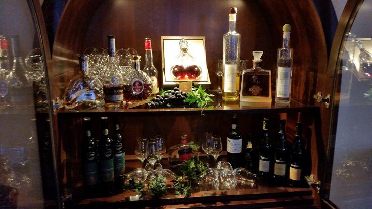 Die Hotelbar Weltenbummler-Reise.  http://webinarraum.net/customer/seminar/1047_wie_sie_in_zukunft_absolut_kostenlos_verreisen__low_cost_weltenbummler_/3940/1047.html