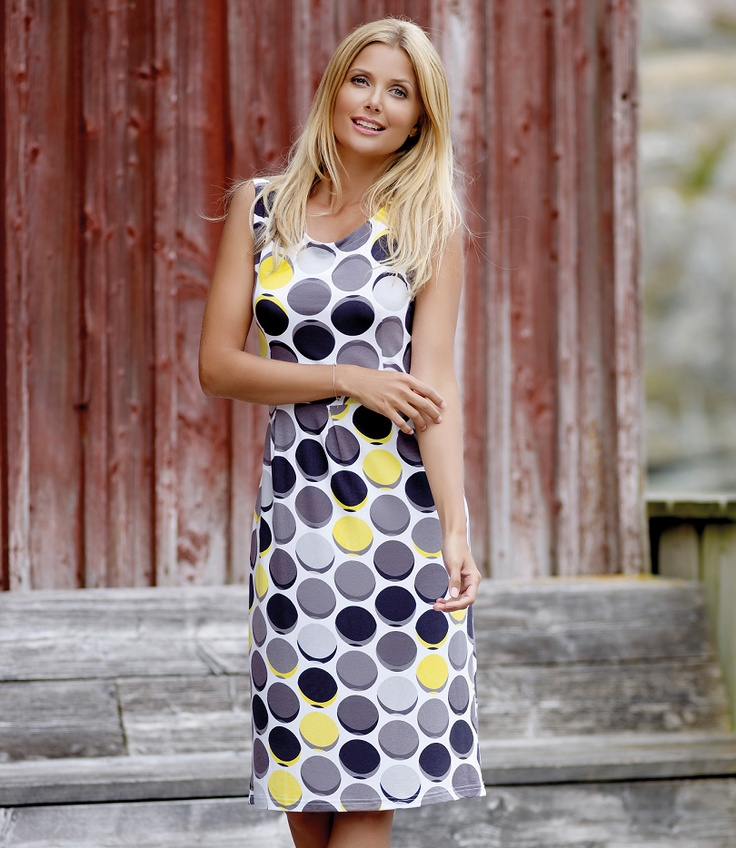 Cute design dress!