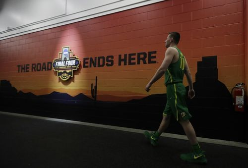 AP                  1:26 p.m. ET March 31, 2017                 Oregon's Charlie Noebel walks to the locker room after a practice session for their NCAA Final Four tournament college basketball semifinal game Thursday, March 30, 2017, in Glendale, Ariz. (AP Photo/David J....  http://usa.swengen.com/scs-thornwell-back-from-final-4-sick-day/