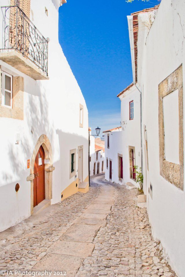 Blue & White -  #Marvao #Alentejo #Portugal - Travelling to Portugal www.enjoyportugal.eu   RePinned by : www.powercouplelife.com