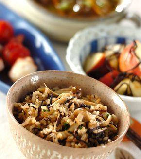 キノコのみそ風味炊き込みご飯」の献立・レシピ - 【E・レシピ】料理の ...