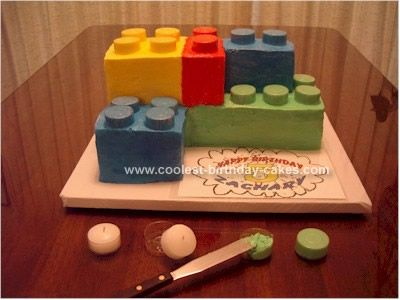 Homemade Tip for Lego Birthday Cake: Lego Cakes . . . FORGET USING THE MARSHMALLOWS or mini-muffins!  I've decorated cakes for over 30 years and hold myself to a very high standard as far