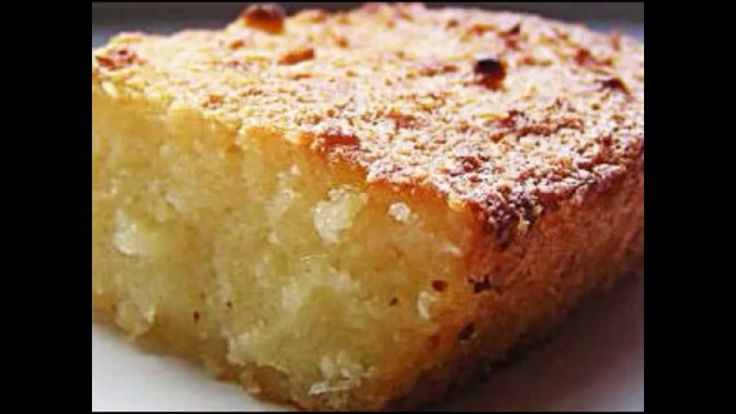 INGREDIENTES 1 kg de aipim (mandioca ou macaxeira) 3 xícaras (chá) de açúcar 100 g de manteiga 200 ml de leite de coco 1 pacote de coco ralado 1 pitada de sa...