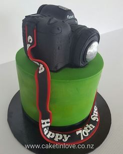 A chocolate cake for a lady that loves lime green and is a photographer. Happy birthday Sue! Hope you had a great day.   #photograper    #chocolatecake  #pettinice    #camera   ​#cakesnorthland   #caketinlove