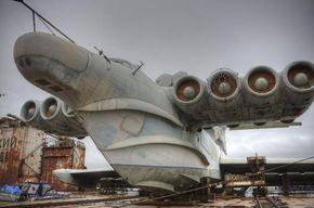 The unbelievably massive Lun class ekranoplan -plane/boat/ship!!!!! (image heavy)