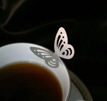 """美しすぎる珈琲アート。食べれるレース""""シュガーベール""""をカップに浮かべてみませんか"""
