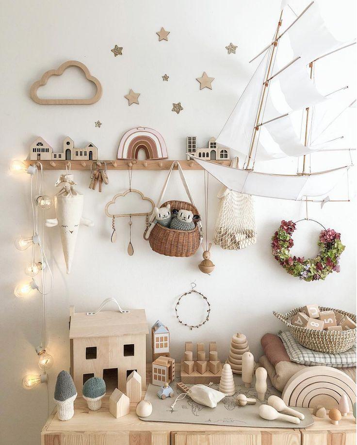 Quelle beauté est cette pépinière et salle de jeux fantaisiste et créative de @misstiptop …   – Baby