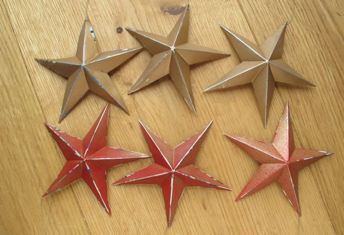 Feestelijke sterren gemaakt van gerecycleerde drankblikjes / Festive Stars made from Recycled Drinks Cans