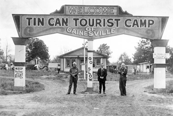 Tin Can Tourist History - The pioneers of vacationing in a camper!