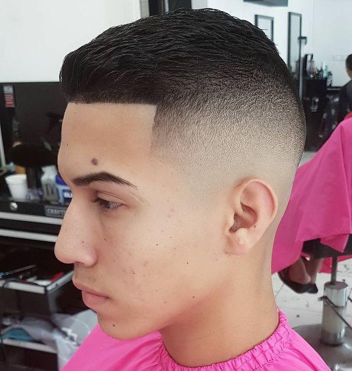 High Fade Frisuren + Line Up Männer Kurze Frisuren, kurze männer frisuren 2017, rockabilly frisuren männer kurze haare, sehr kurze männer frisuren, coole frisuren männer kurze haare, gel frisuren männer kurze haare, kurze frisuren männer 2016, kurze coole frisuren männer #Frisur #Frisuren #Männer #Hairstyle #Hair #Haircuts