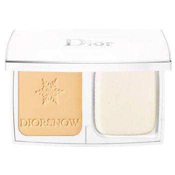 【かつてないほどの透明感をお肌に】クリスチャンディオール(Christian Dior) スノーホワイトピュア&パーフェクトファンデーション ***ピュアで透明感のある美白肌を作り上げるファンデーション。肌を均一にカバーし、透明感を損なわずに美しく仕上げます。ファンデーションの粒子とシリコンビーズをブレンドしたテクスチャーが肌になじみ、しっかりカバーしながらテカリを防いで、つけたての美しさを長時間持続します。 SPF30 PA+++