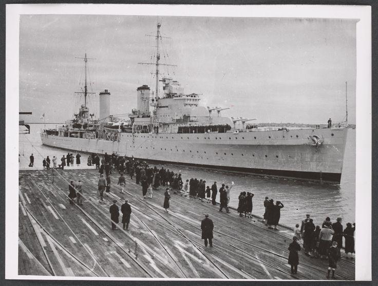 HMAS Sydney, Port Melbourne