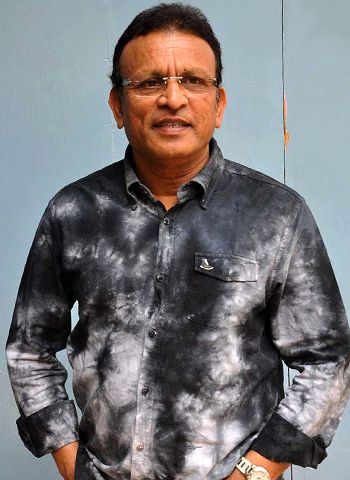 Annu Kapoor gets candid!
