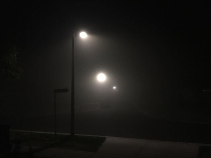 A very film noir start to the day today #fog #noir