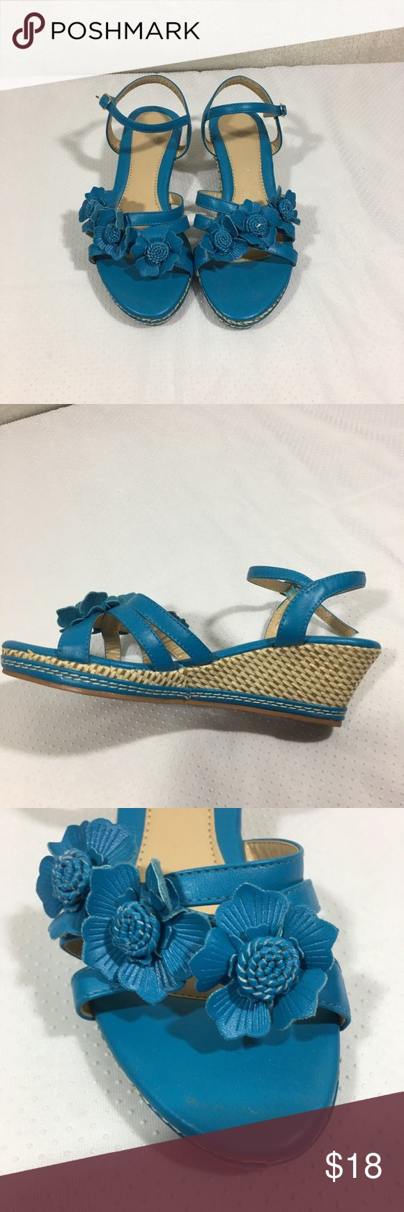 Forever Teal Sandal Size 6 1/2 In good condition wedge sandal very comfortable Brand is forever Forever Unique Shoes Sandals