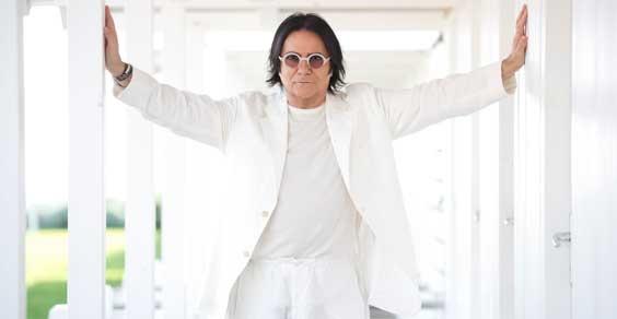 """Renato Zero va subito al top con """"Amo"""""""