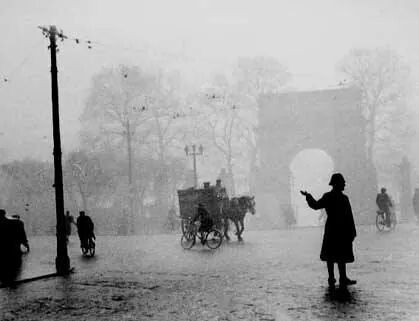 St. Stephens Green, Dublin on a foggy day with the Fusilier's Arch in the background.