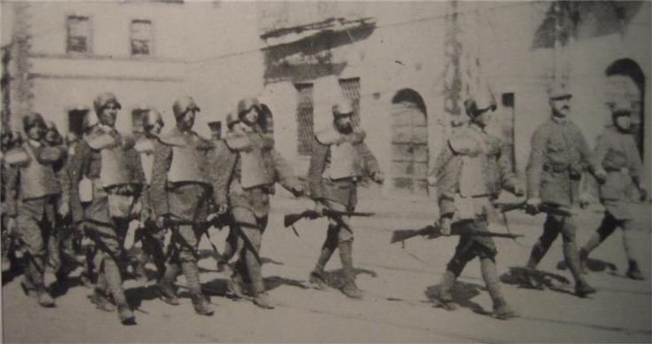 The Arditi, Italian armour wearing special forces of WWI.