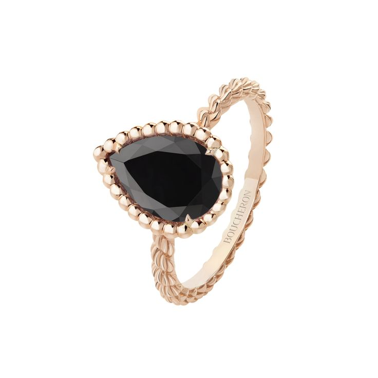 Boucheron's Serpent Boheme black onyx ring in rose gold. http://www.thejewelleryeditor.com/shop/product/boucheron-serpent-boheme-onyx-ring/ #jewelry