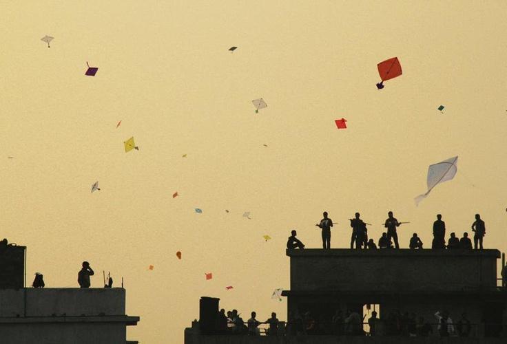 kite flying, bangladesh