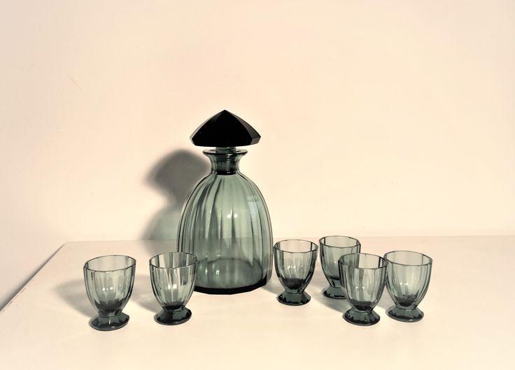 Karaffe 21cm mit 6 Gläsern 6,5cm , vermutlich Böhmisch, ca 1930, Art Deco