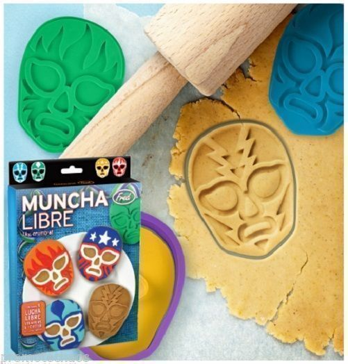 #MUNCHA #LIBRE #COOKIECUTTER #Luchador #Wrestling #Mask #Kitchen #Tool #Party #Stamp #Mold #Fred #FredAndFriends