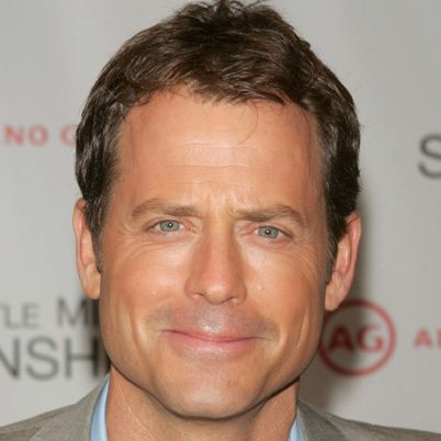 LOVED Greg Kinnear on Modern Family.