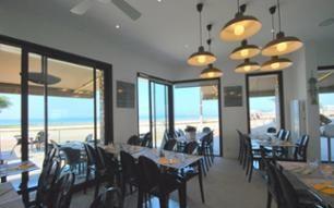 Le Surf / Restaurants aux Sables d'Olonne en Vendée / Restaurants et bars d'ambiance aux Sables d'Olonne / Agenda, restos, marchés, sports, visites aux Sables d'Olonne en Vendée / Les Sables d'Olonne - Réservez en ligne votre location de vacances