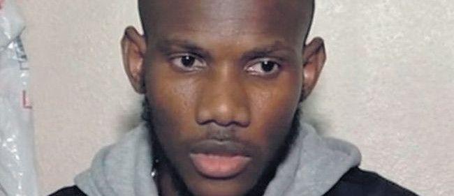 L'acte de bravoure de Lassana Bathily Lassana Bathily, va être naturalisé mardi, a annoncé ce jeudi Bernard Cazeneuve.  Une « cérémonie d'accueil dans la citoyenneté française » aura lieu mardi à 18h30 au ministère, a précisé le ministre de l'Intérieur, qui a loué l'« acte de bravoure » du jeune homme.