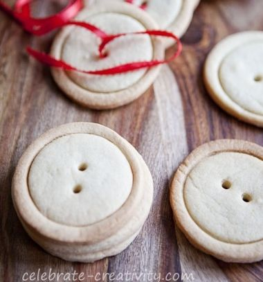 Button shaped cookies easily (without button shaped molds) / Gomb alakú sütik készítése speciális sütőformák nélkül / Mindy -  creative craft ideas