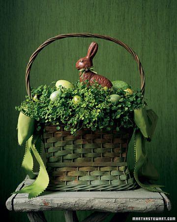 #Easter Clover Basket @Martha Stewart: Easter Parties, Easter Centerpieces, Easter Bunnies, Easter Decor, Easter Eggs, Martha Stewart, Easter Baskets, Chocolates Bunnies, Easter Ideas