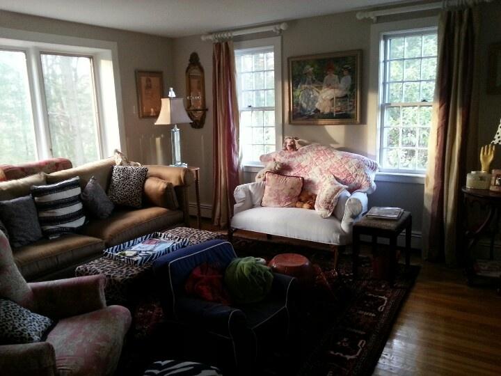 Cozy TV Room Ideas