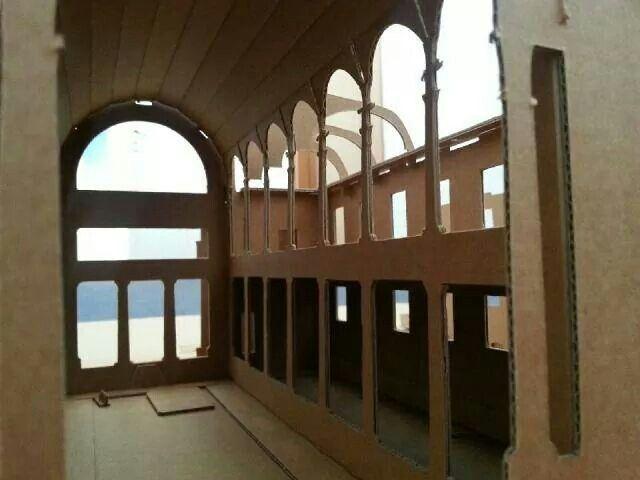 Wnętrze Wielkiej Synagogi w Warszawie. Tekturowy model do składania.