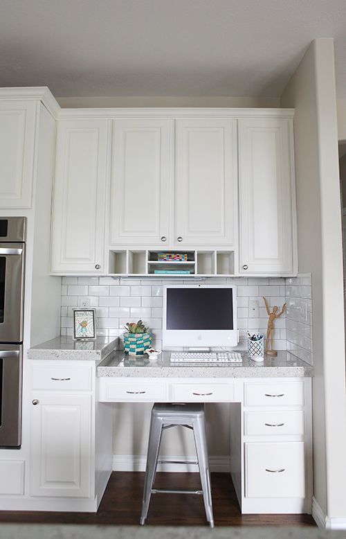 9 best images about kitchen desk on pinterest white for Kitchen office nook