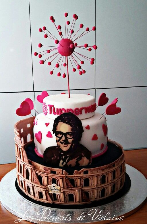 Tupperware cake
