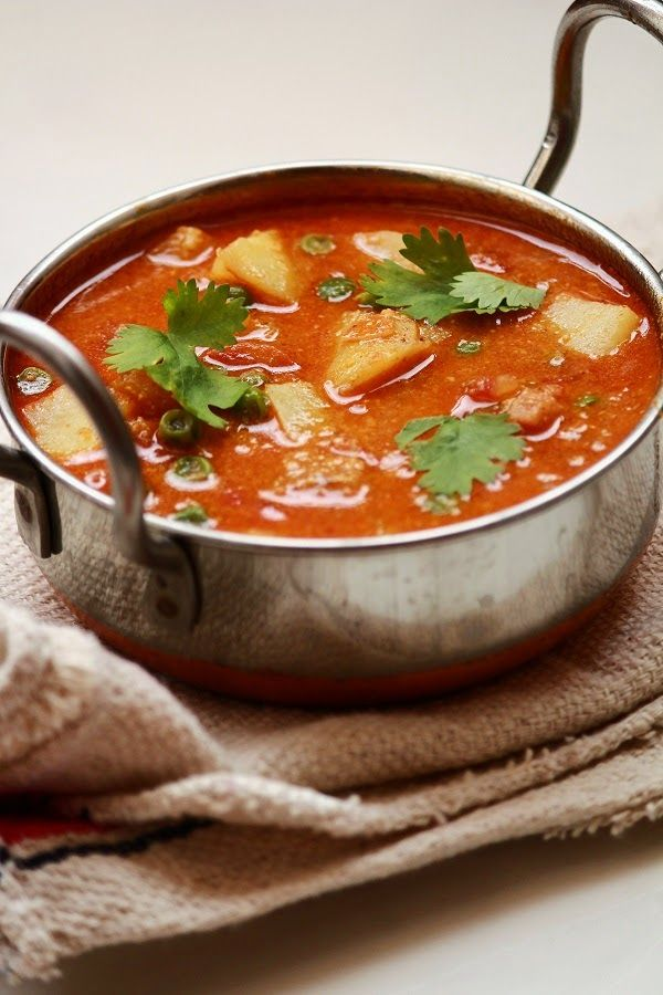 udupi sambar is a very tasty and easy to make sambar recipe. It is made with lentils and a mixture of vegetables. It can be served with rice, idli, dosa