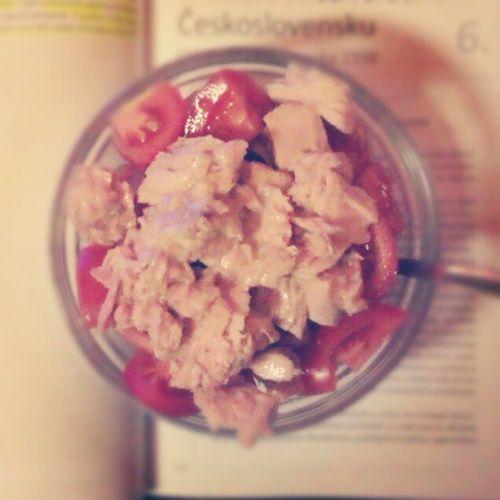 Večeře: rajčátka a tuňák!