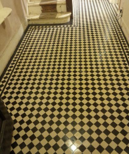 VICTORIAN-OLD-ENGLISH-ORIGINAL-STYLE-FLOOR-TILES-CHEQUERBOARD-BLACK-AND-WHITE
