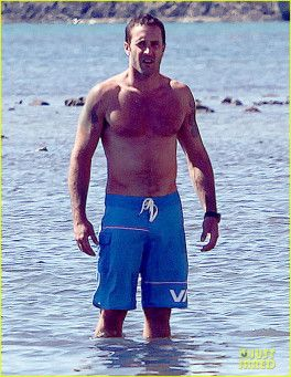 Exclusive... Alex O'Loughlin Filming Hawaii Five-O