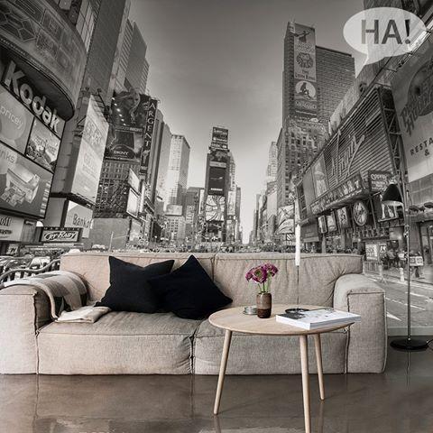 Τοίχοι με άποψη!  Ταπετσαρίες τοίχου: http://www.houseart.gr/select_use.php?id=293&pid=3906  #houseart #wallpaper #times_square #sticker #new_york